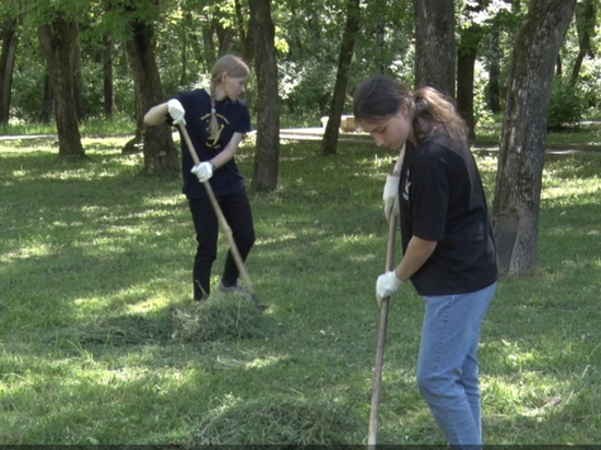 Этим летом в Кирове трудоустроят более 1200 подростков