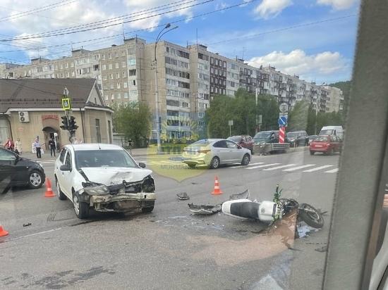 Мотоциклист разбился на Кольском проспекте