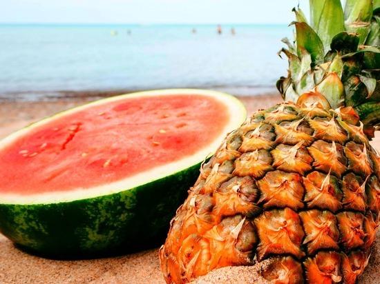 Названы фрукты и ягоды, которые способны резко повысить сахар в крови