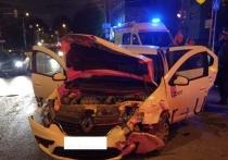 Жесткое ДТП с такси произошло в центре Калуги ночью