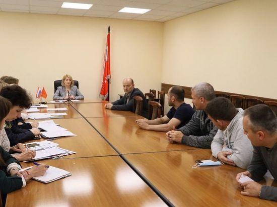 Работникам лифтостроительного завода в Серпухове начали выплачивать долг по зарплате