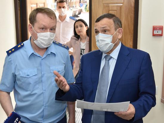 Глава Марий Эл осмотрел здания прокуратуры и минкульта