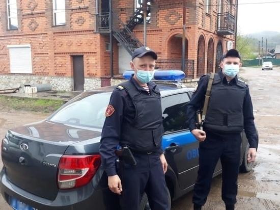 Росгвардейцы в Хилке предотвратили уничтожение огнем магазина