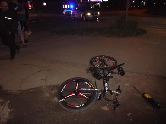 Велосипедист попал в реанимацию после ДТП в Великих Луках
