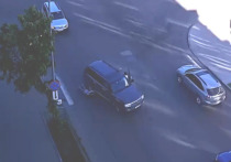 На улице Гоголя в Петрозаводске Land Cruiser сбил пешехода