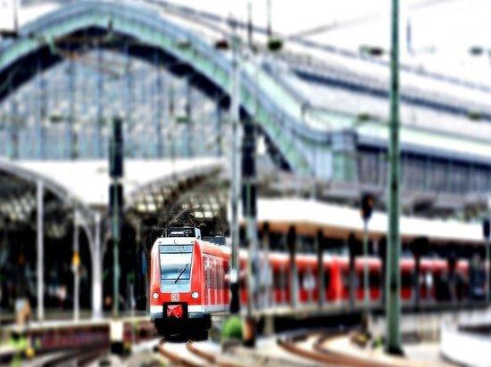 Семьи с детьми смогут путешествовать по России на поезде со скидкой