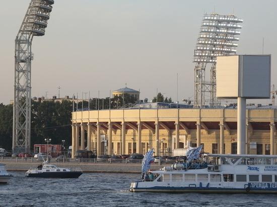 Сборная России по футболу провела тренировку на стадионе «Петровский»