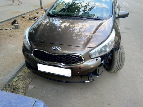 В Кирове около школы женщина-водитель сбила девочку-подростка