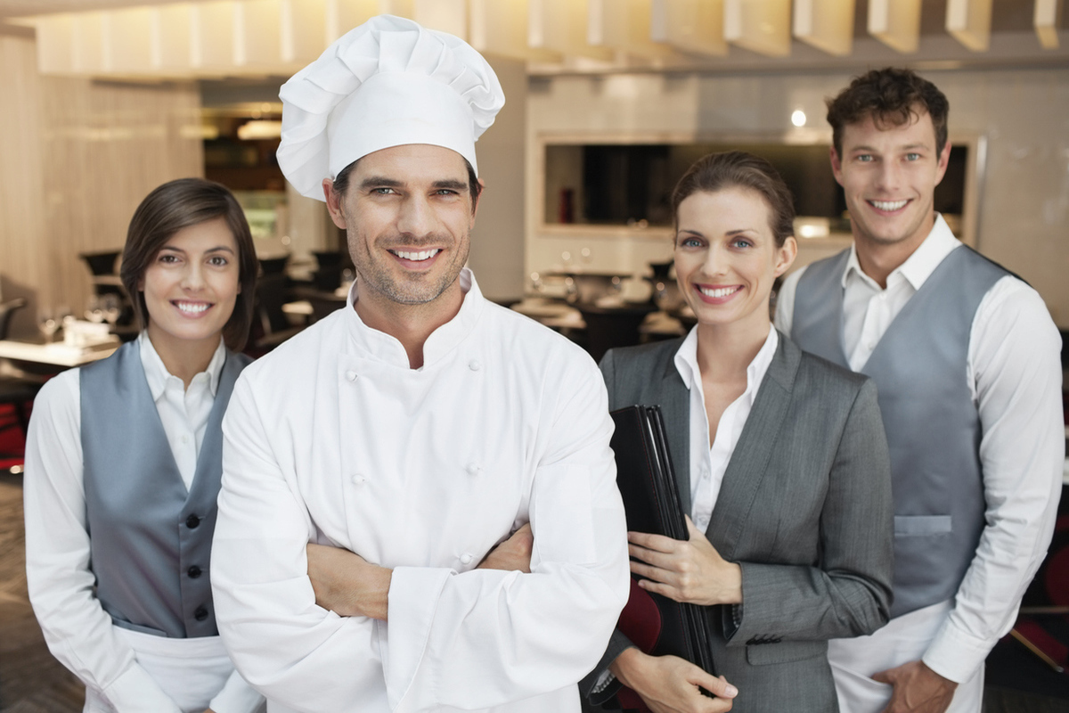 Костромские вакансии: легче всего найти работу поварам и официантам