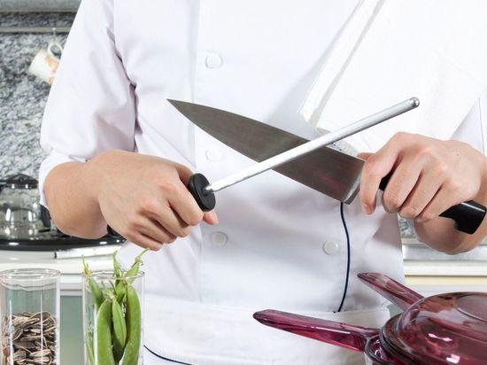 Адская кухня: повар в петербургском санатории ударил коллегу ножом