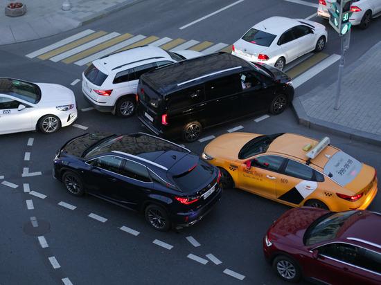 Водители Петербурга рассказали, на кого они злятся за рулем