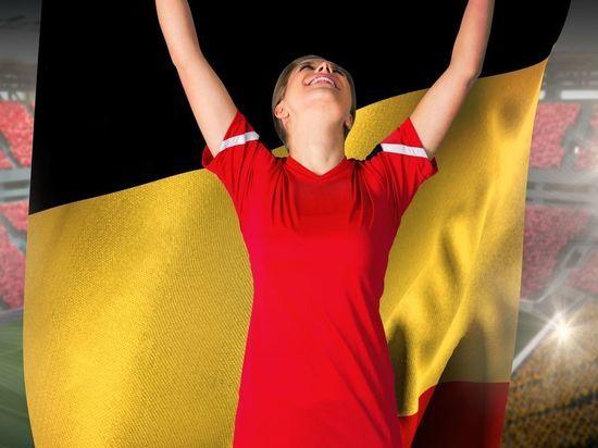 Футболисты и фанаты из Бельгии прибыли в Петербург на Евро-2020