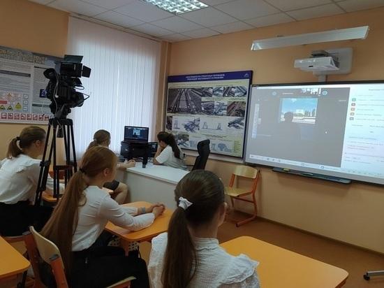 Волгоградским школьникам рассказали про безопасность на железной дороге