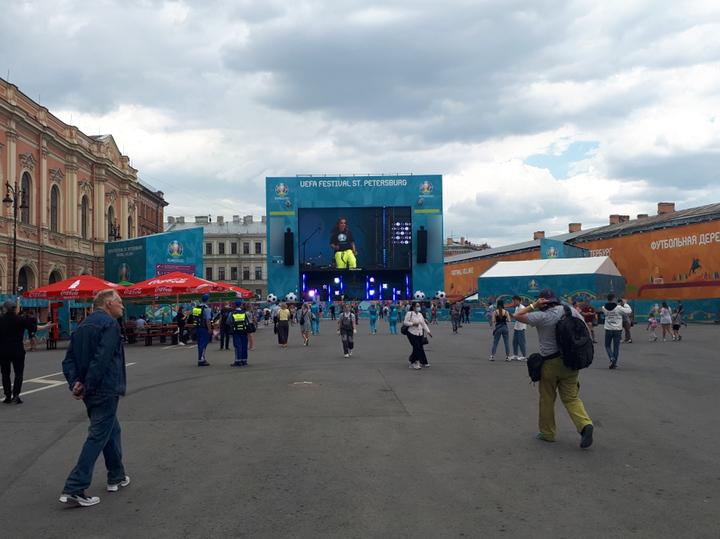 В Петербурге накануне матча Россия-Бельгия не нашлось иностранных болельщиков