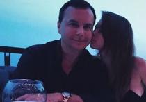 Бывший топ-менеджер «Лукойла» и экс-муж российской модели Лизы Адаменко, Валентин Иванов, подал заявление в правоохранительные органы, обвинив бывшую жену Елену в мошенничестве