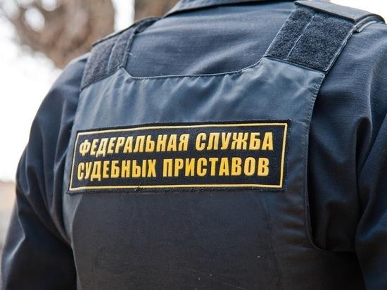 Астраханские приставы изъяли более 50 бутылок поддельного средства для кухни photo