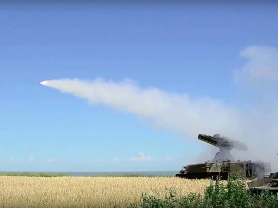 Зенитно-ракетный полк встанет на защиту черноморских аэродромов