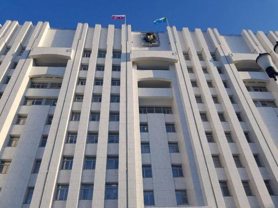 Хабаровский край с Днем России поздравили первые лица страны