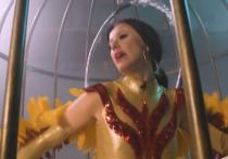 Телеведущую Ксению Собчак обвинили в «зависти» к певице Ольге Бузовой после ее пародии на театральное выступление новой артистки МХАТа им