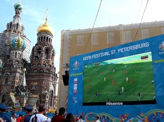 Болельщики стягиваются в фан-зоны в Петербурге к матчу Россия – Бельгия