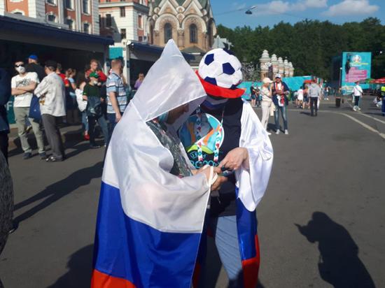 С прилетом бельгийских фанатов в городе на Неве начался праздник