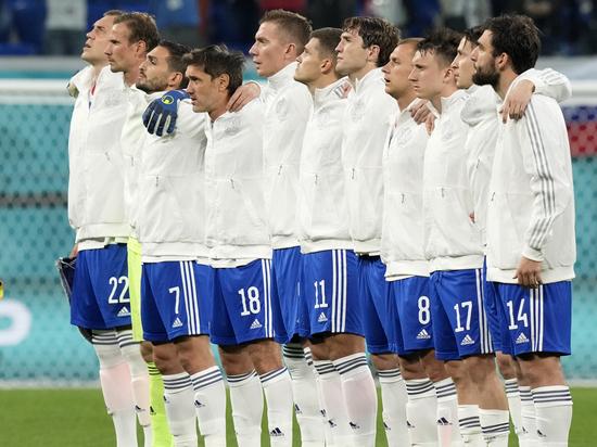 Сборная России не стала преклонять колено на матче Евро-2020 с Бельгией