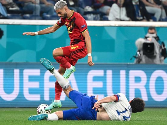 В первом матче группового турнира чемпионата Европы по футболу сборная России уступила на своем поле команде Бельгии с крупным счетом 0:3. После поражения наша команда опустилась на последнее местов группе. «МК-Спорт» разбирается, что мы увидели в этот вечер.
