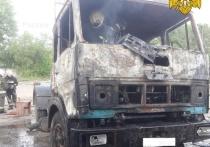 Грузовик сгорел в Калуге