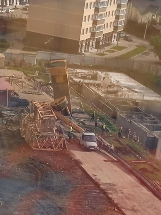 В Краснодаре подняли строительный кран, упавший у ЖК «Свобода»