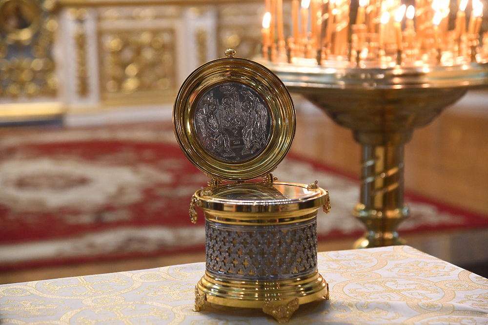 Мощи Александра Невского в Волгограде пробудут до Троицы: фото из храма