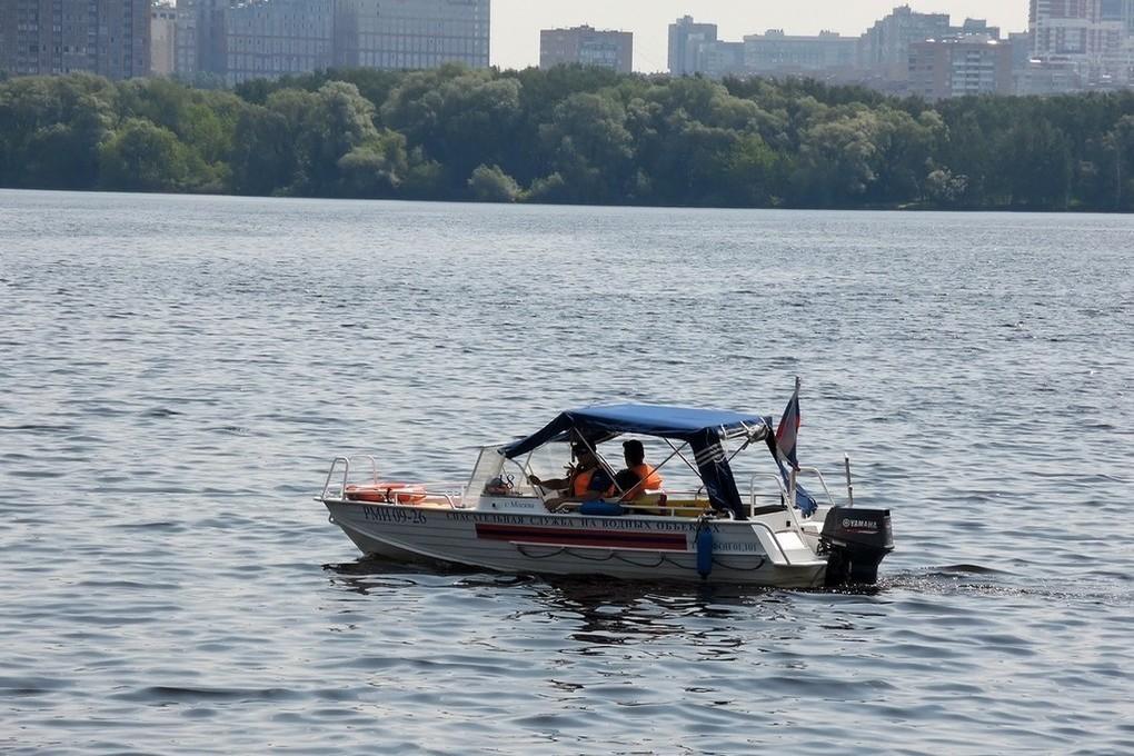 Ребенок погиб под катером на Москва-реке