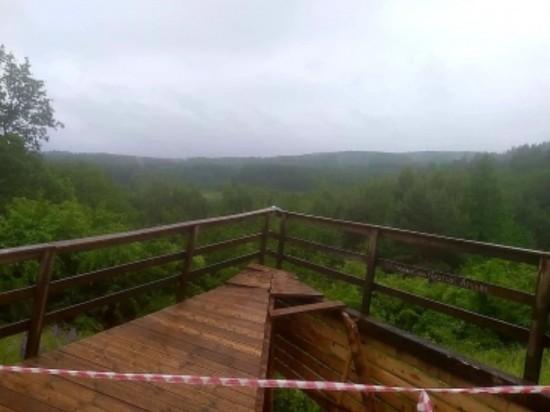 В Калининградской области обрушилась смотровая площадка с туристами