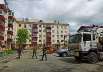 Сгоревшую крышу в центре Южно-Сахалинска начали чинить