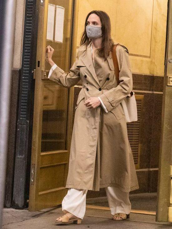 Анджелина Джоли провела вечер со своим первым мужем