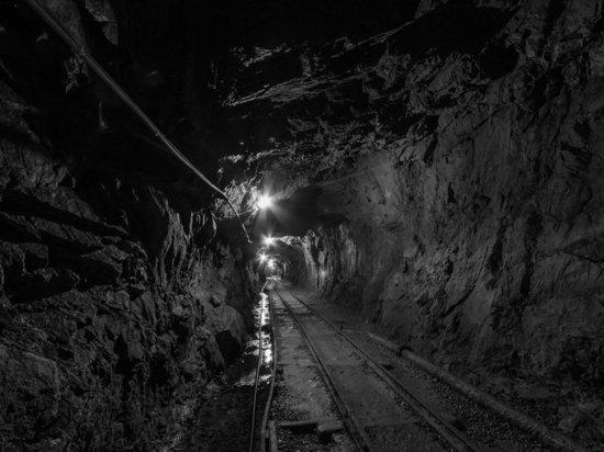 Спасатели нашли тела трех шахтеров в затопленной шахте в Китае