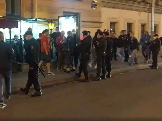 Польская полиция начала патрулировать Петербург из-за своих фанатов