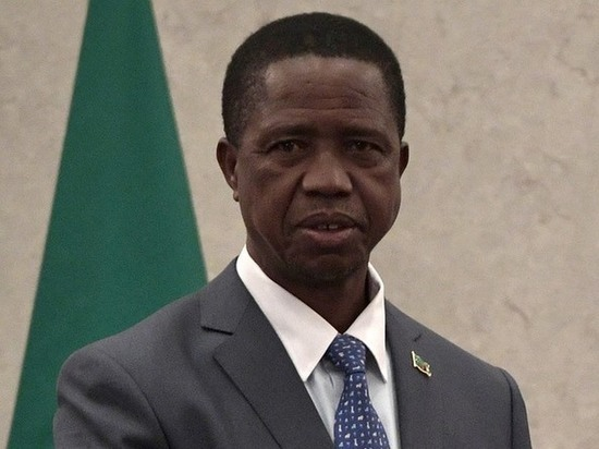 Президент Замбии Лунгу потерял сознание на военном параде