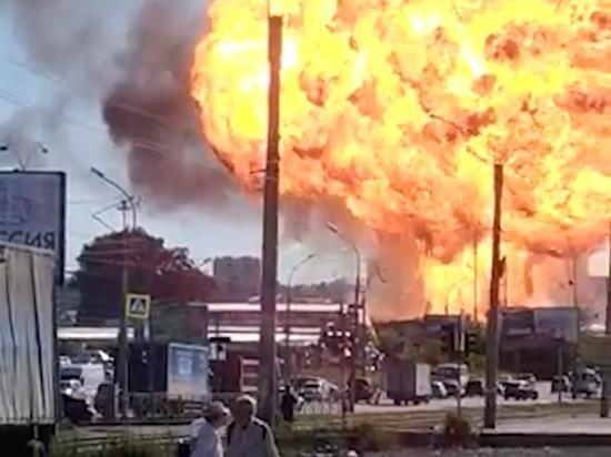 В Новосибирске на горящей газовой АЗС начались мощные взрывы