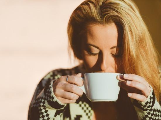 Офтальмолог заявил о риске развития глаукомы из-за употребления кофе