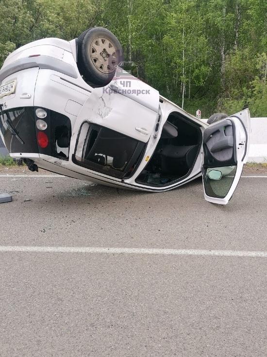Автомобилист перевернул машину и скрылся в Красноярском крае