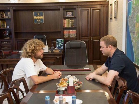 Мэр Анапы предложил блогеру Илье Варламову стать его заместителем