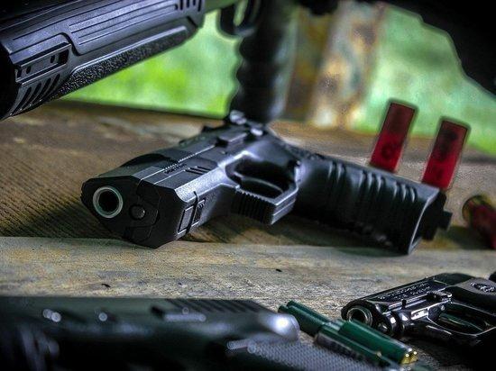 Американец открыл стрельбу в магазине из-за просьбы надеть маску