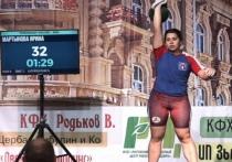 Калужская силачка побила рекорд России в подъеме гири