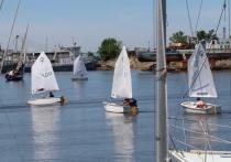 Это шестидесятый, юбилейный сезон, который открывают хабаровские яхтсмены в затоне РЭБ флота