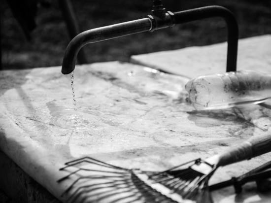 В Астрахани отключают холодную воду
