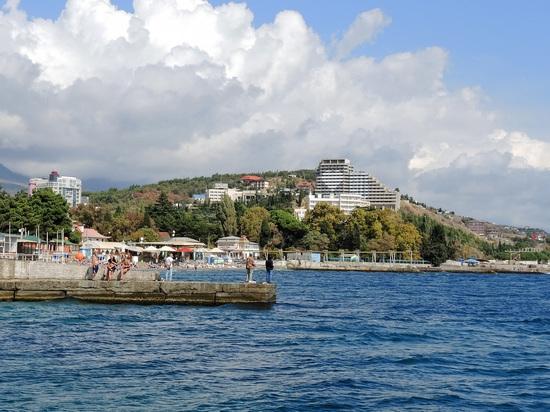 Ростуризм заявил о перегруженности курортов на Черном море