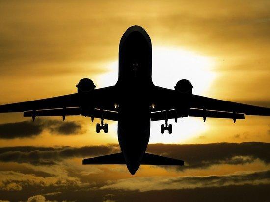 Самолет совершил вынужденную посадку в Казани из-за самочувствия пассажира