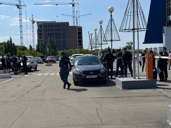 """В Кемерове повторно закрыли крупнейший торговый центр """"Лапландия"""""""