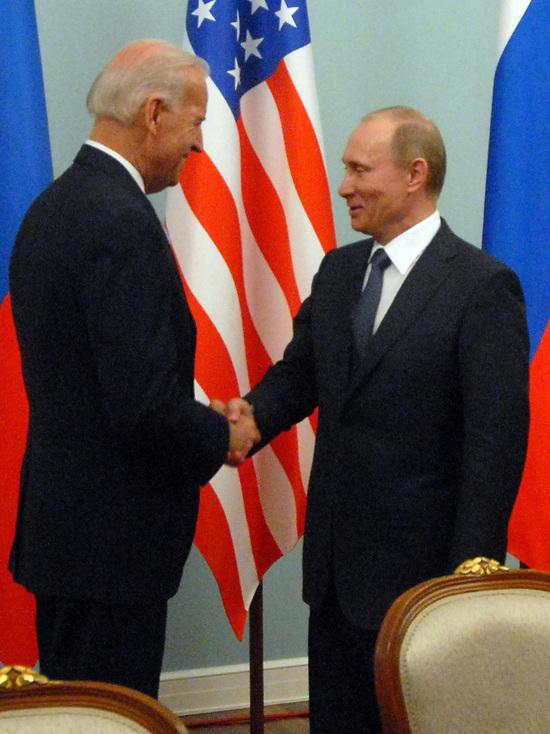 Стала известна продолжительность переговоров Путина и Байдена