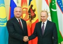 Путин по просьбе Додона дал мигрантам в России новый шанс